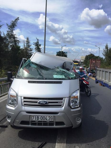 Tai nạn kinh hoàng cầu Rạch Miễu, 2 khách chết tại chỗ - Ảnh 1.