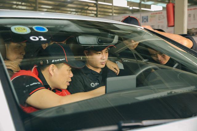 Audi chuẩn bị 319 xe hạng sang để đón tiếp Hội nghị thượng đỉnh APEC 2017 tại Việt Nam - Ảnh 1.