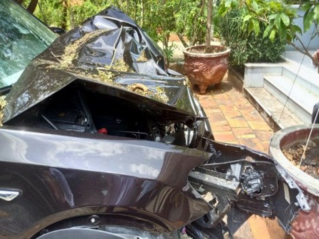 Chủ tịch huyện Côn Đảo tử nạn trên chiếc BMW - Ảnh 1.