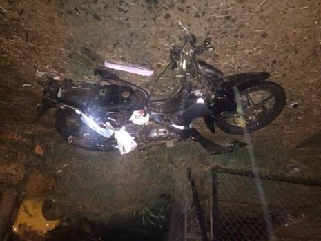 Xe bán tải tông chết nữ sinh khi chở người đi cấp cứu - Ảnh 1.