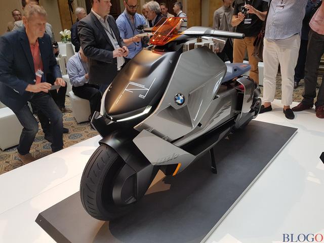 BMW Concept Link - Scooter nhưng tiện nghi như ô tô - Ảnh 3.