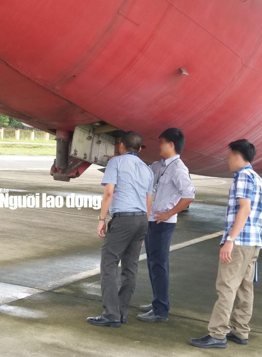 Bất ngờ với nội thất máy bay Boeing bỏ rơi 10 năm ở Nội Bài - Ảnh 1.