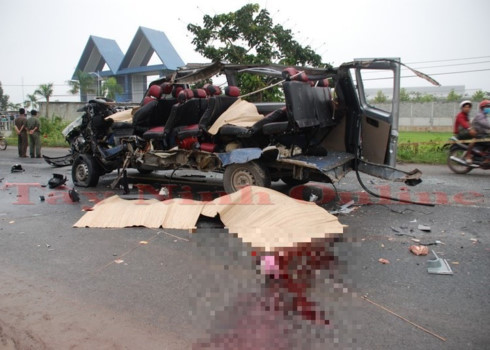 Tai nạn xe khách kinh hoàng ở Tây Ninh, 6 người tử vong - Ảnh 1.