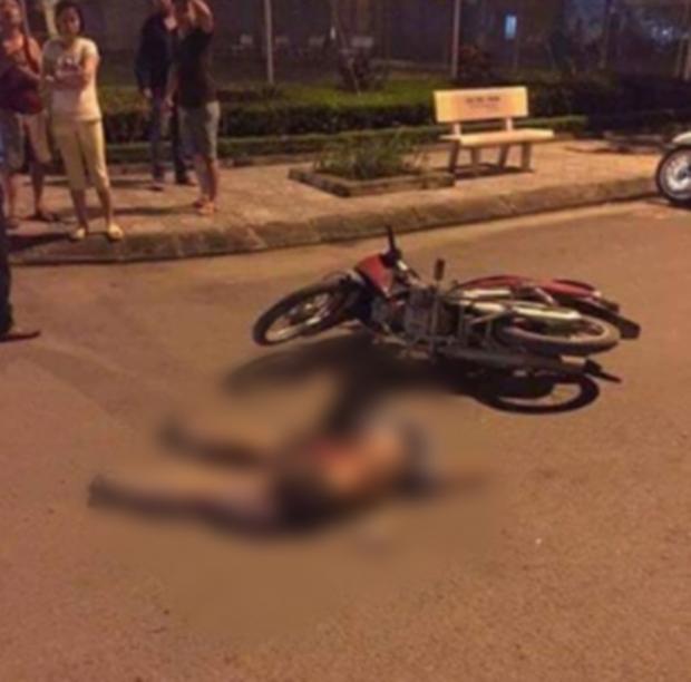 Cô gái trẻ rơi từ tầng 25 chung cư ở Hà Nội xuống đất, người đi xe máy ngất xỉu vì sốc - Ảnh 2.