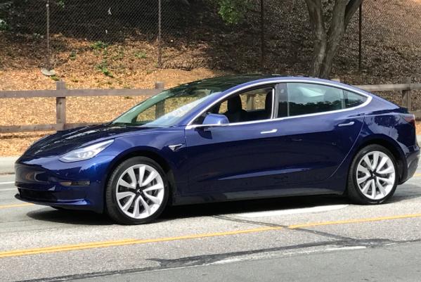 Điểm tách biệt Tesla với các hãng ô tô khác là gì? Họ chi 0 đồng cho quảng cáo - Ảnh 3.