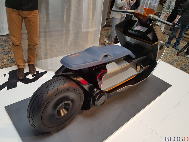 BMW Concept Link - Scooter nhưng tiện nghi như ô tô - Ảnh 6.