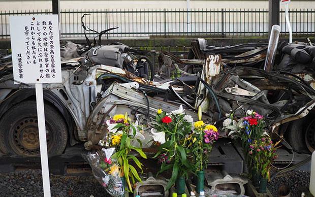 Chiếc xe ô tô bị đâm nát, sở cảnh sát Nhật Bản đem về thờ và câu chuyện khiến nhiều người rơi nước mắt - Ảnh 5.