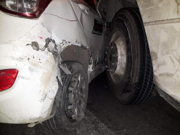 Hải Phòng: Container mất lái đâm một loạt ô tô - Ảnh 5.