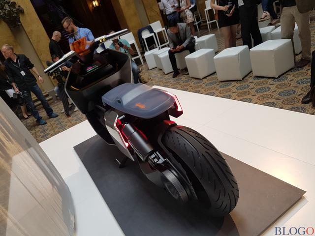 BMW Concept Link - Scooter nhưng tiện nghi như ô tô - Ảnh 7.