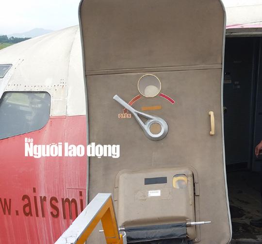 Bất ngờ với nội thất máy bay Boeing bỏ rơi 10 năm ở Nội Bài - Ảnh 5.
