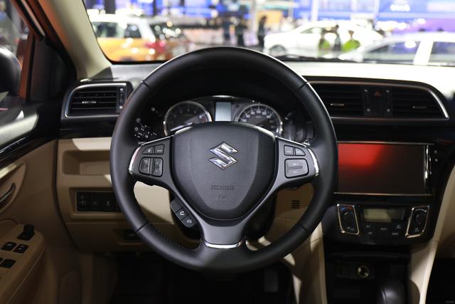 Sedan giá rẻ Suzuki Ciaz 2017 chính thức được vén màn - Ảnh 8.