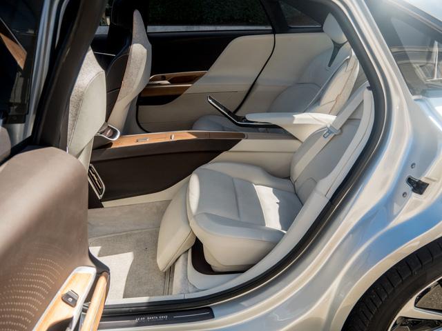 Quên Faraday Future đi, đây mới là siêu xe điện xứng đáng là đối thủ của Tesla - Ảnh 10.