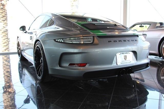 Đây là chiếc Porsche 911 R bị làm giá dễ chịu nhất trên thế giới - Ảnh 2.