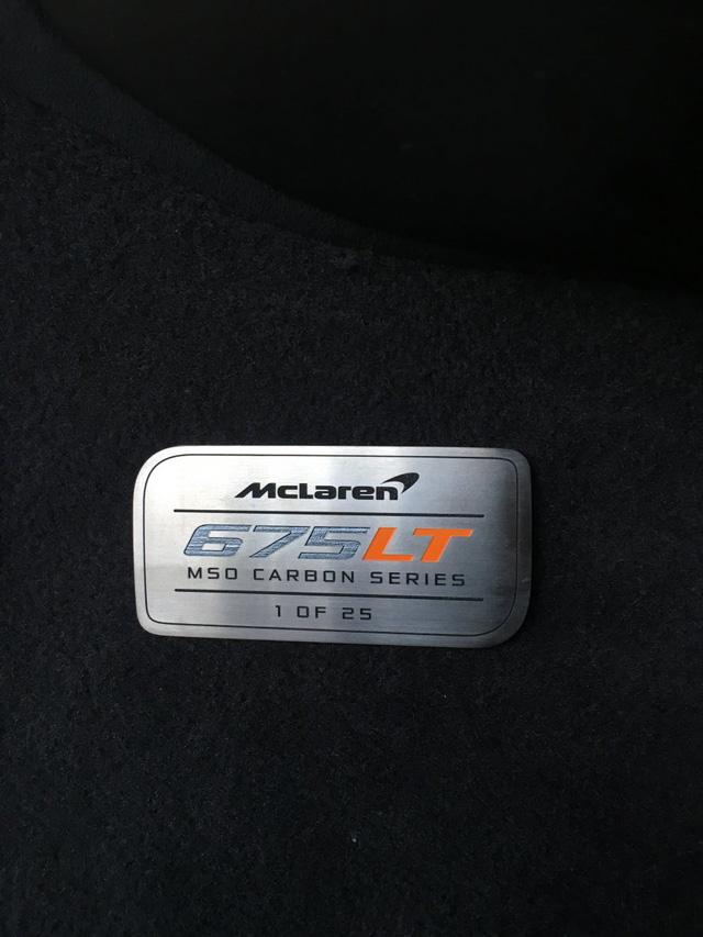 McLaren 675LT Spider Carbon Series mạ vàng có giá khóc thét 18,5 tỷ Đồng - Ảnh 2.