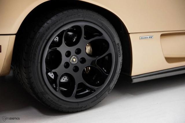 Hàng hiếm Lamborghini Diablo 6.0 VT SE rao bán với giá khóc thét - Ảnh 7.