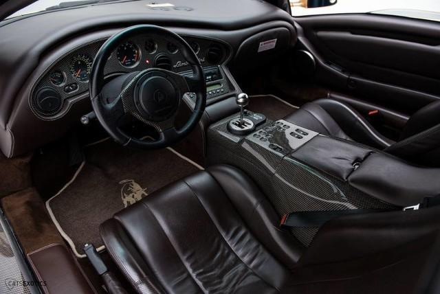 Hàng hiếm Lamborghini Diablo 6.0 VT SE rao bán với giá khóc thét - Ảnh 8.