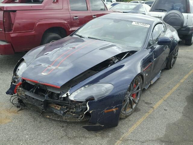 Hư hỏng nặng, siêu xe Aston Martin V8 Vantage vẫn được chào bán 900 triệu Đồng - Ảnh 1.