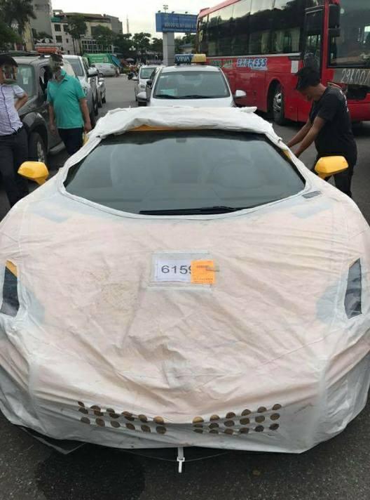 Siêu xe Lamborghini Aventador S LP740-4 2017 bị bắt gặp cho đi đăng kiểm - Ảnh 1.