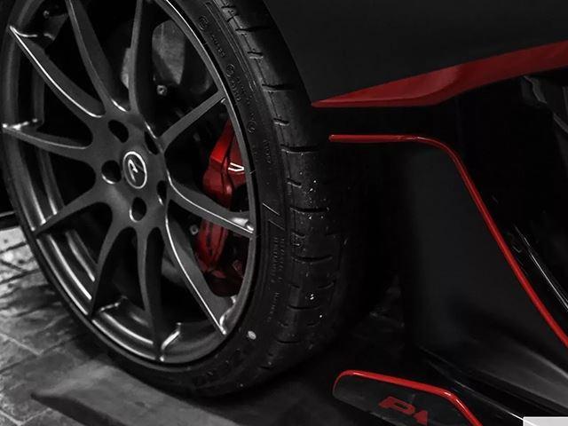 Đây là chiếc McLaren P1 MSO duy nhất trên thế giới được trang bị bộ áo đen mờ - Ảnh 3.