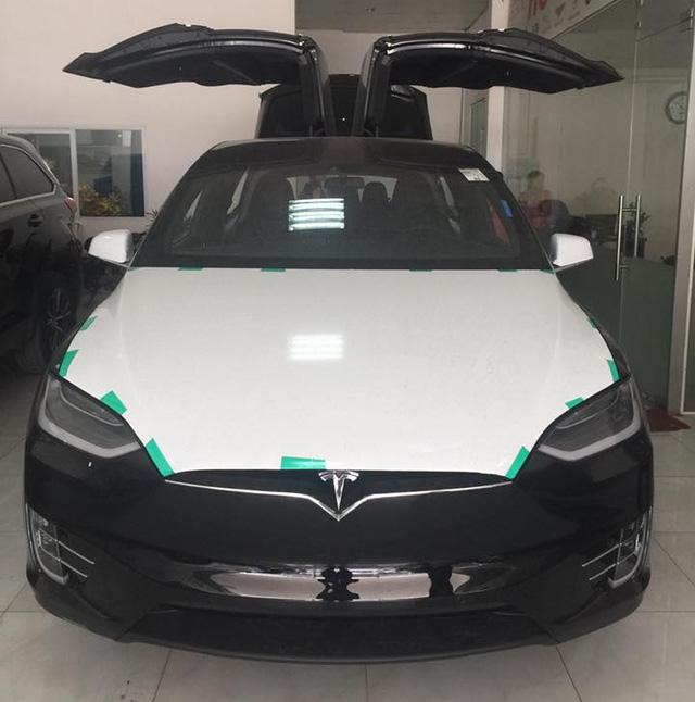 Tesla Model X gặp nạn nghiêm trọng nhưng người lái chỉ bị thương nhẹ - Ảnh 3.