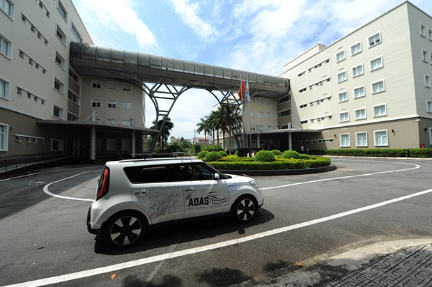 Thử nghiệm xe tự lái made in Vietnam: Tránh chướng ngại vật ở 20km/h, tự đi thẳng ở 40km/h - Ảnh 2.