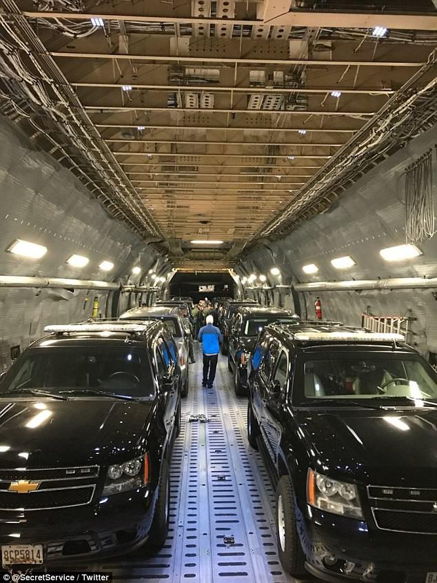 Đội xe hộ tống Donald Trump trong chuyên cơ tới châu Á - Ảnh 2.