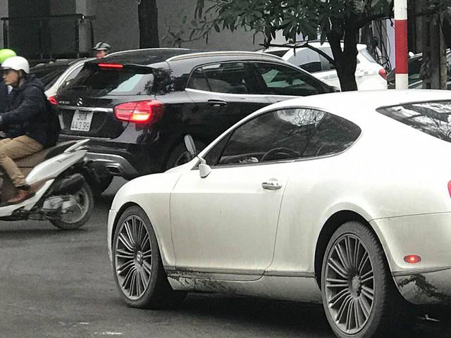 Xót xa với Bentley Continental GT Speed bị vặt gương tại Hà thành - Ảnh 3.