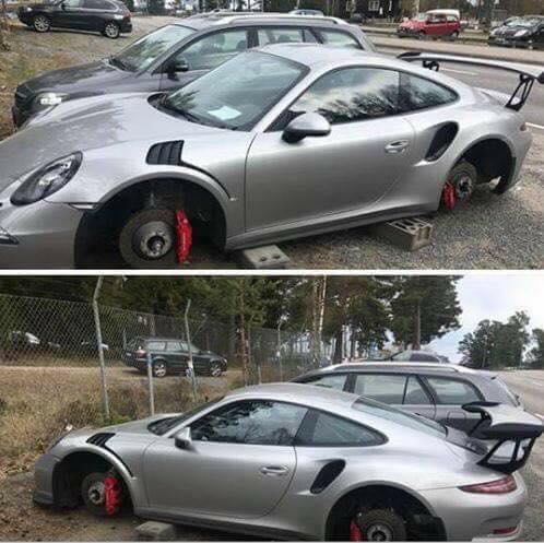 Siêu xe Porsche 911 GT3 RS bị ăn trộm bánh xe khi đỗ qua đêm - Ảnh 1.