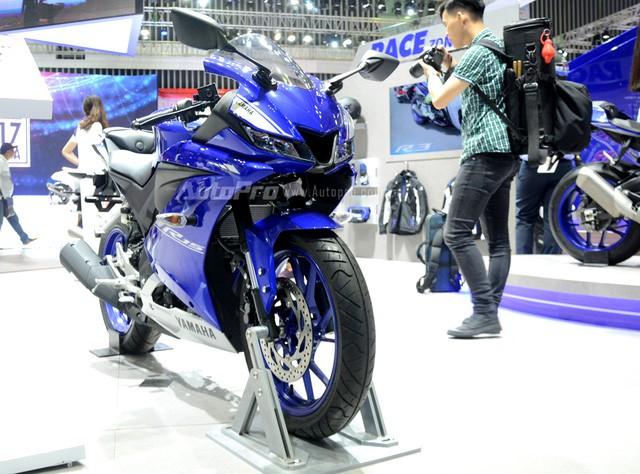Yamaha R15 chốt giá bán chính hãng 92,9 triệu đồng - Ảnh 2.