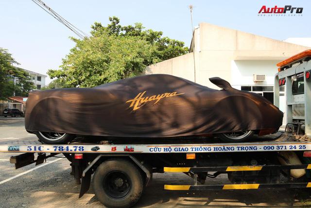 """Minh """"nhựa"""" đem siêu xe Pagani Huayra đi đăng ký biển số lần thứ 3 nhưng không thành - Ảnh 1."""