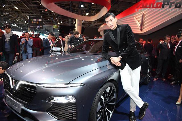 Ảnh: David Beckham cùng Hoa hậu Việt Nam 2018 Trần Tiểu Vy bên cạnh cặp đôi xe VinFast tại Paris - Ảnh 20.