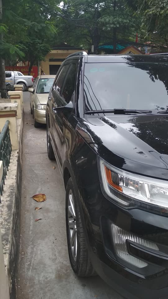 Sáng chủ nhật vừa bước chân ra khỏi nhà, tài xế lặng người trước tình trạng của xe ô tô - Ảnh 2.