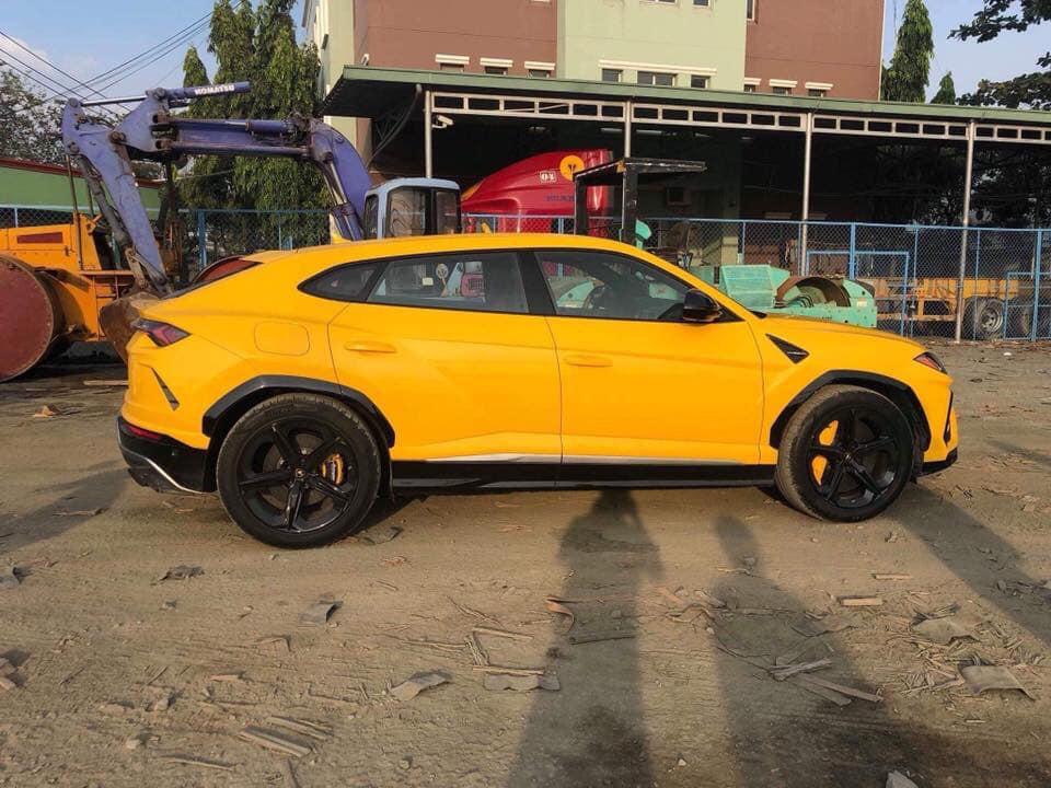 Khui Cong Lamborghini Urus Thứ 3 Về Việt Nam Với Mau Ngoại Thất đặc