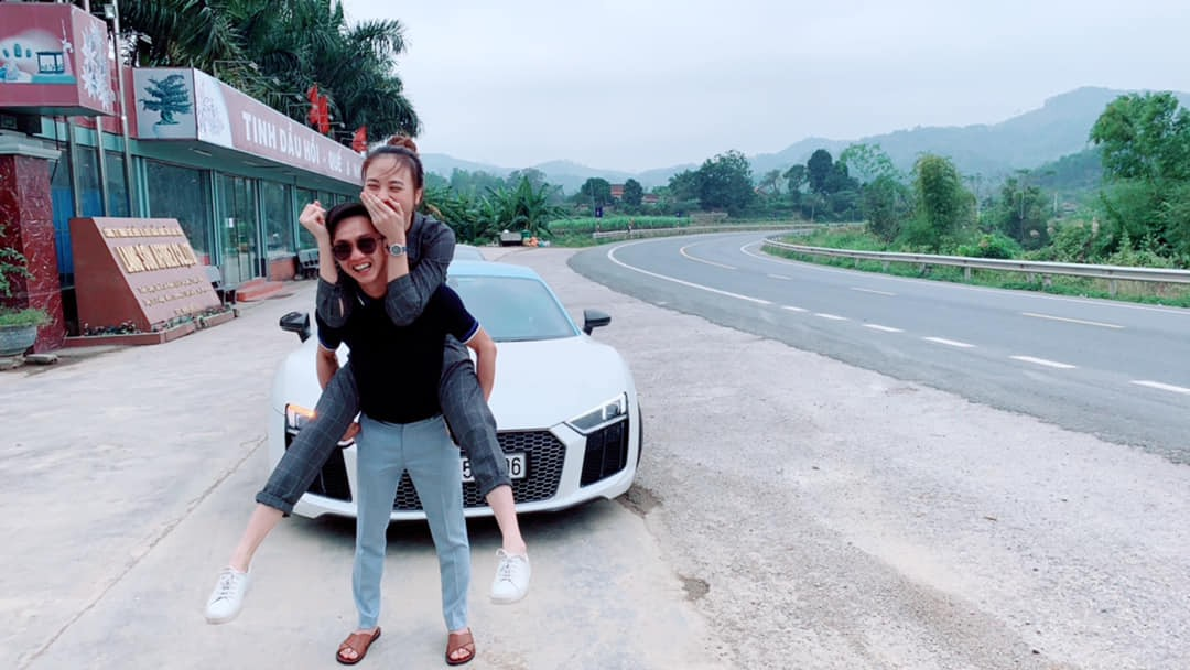 Cường Đô la mang siêu xe ra Bắc để hỏi cưới Đàm Thu Trang? - Ảnh 1.