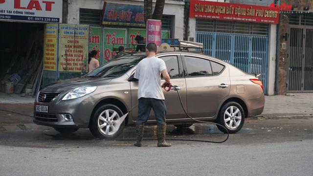 Loạn giá rửa xe cận Tết - có giá riêng cho xe nam và xe nữ - Ảnh 8.