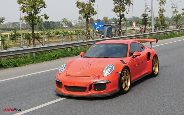 Pha drift Porsche GT3 RS của Cường Đô la là video thu hút lượt xem lớn nhất trong tuần qua - Ảnh 1.