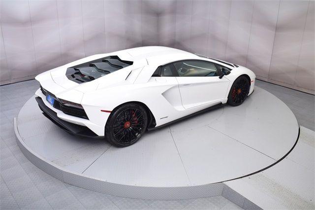 "Gia Lai Team bổ sung một ""siêu bò"" Lamborghini Aventador S - Ảnh 5."