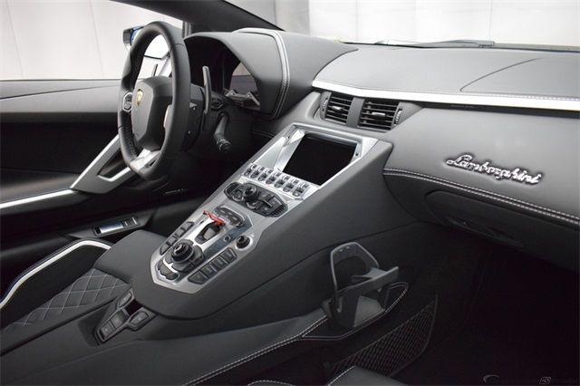 "Gia Lai Team bổ sung một ""siêu bò"" Lamborghini Aventador S - Ảnh 8."