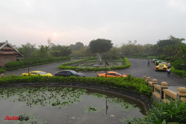 Trực tiếp Car & Passion ngày thứ 4: Đoàn siêu xe đã đến Nghệ An, Tuấn Hưng và nữ chủ nhân BMW i8 dừng cuộc chơi - Ảnh 4.