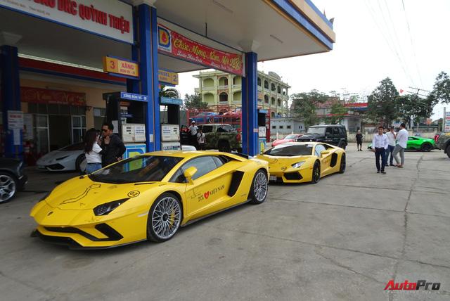 Trực tiếp Car & Passion ngày thứ 4: Đoàn siêu xe đã đến Nghệ An, Tuấn Hưng và nữ chủ nhân BMW i8 dừng cuộc chơi - Ảnh 1.