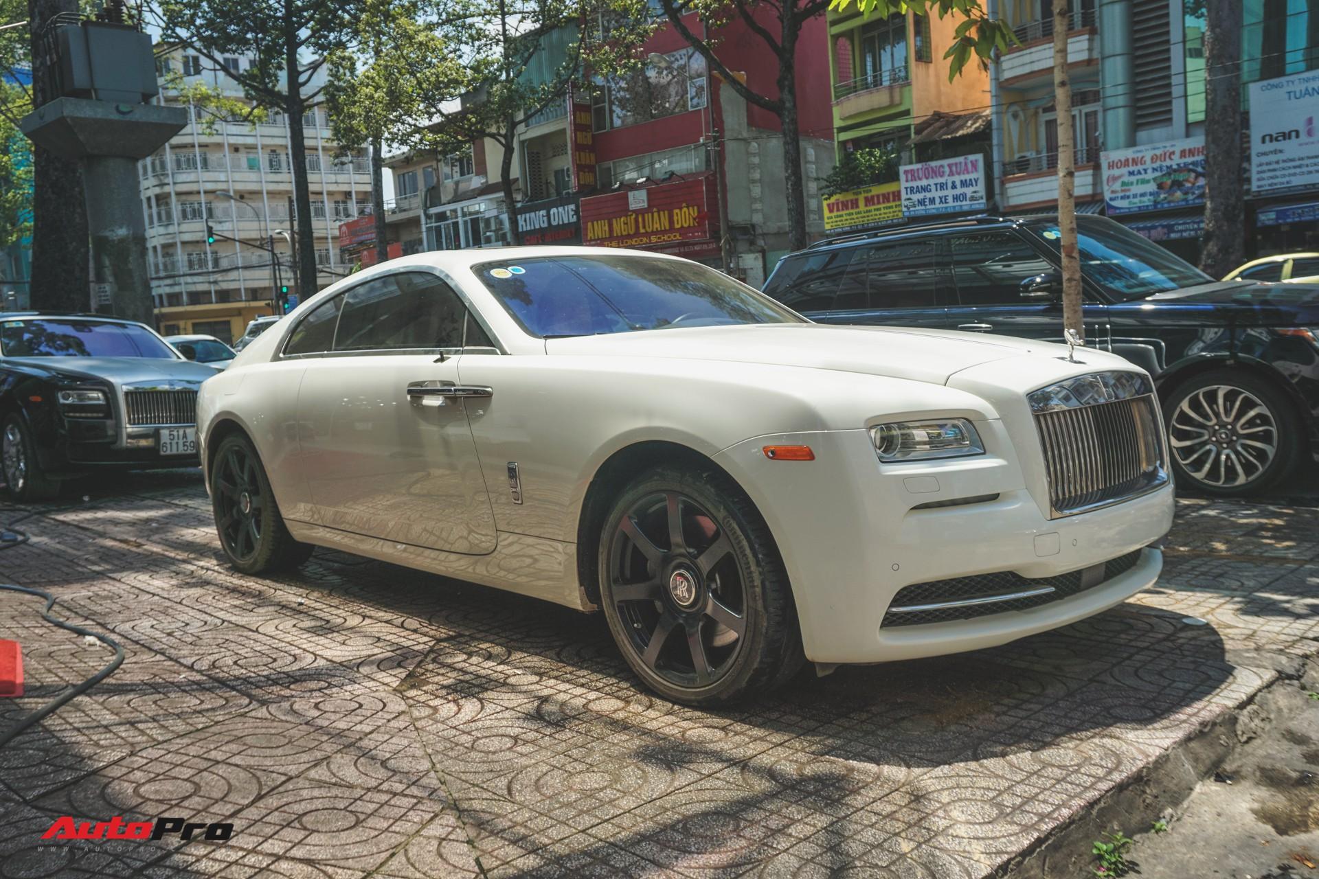 Ông chủ cafe Trung Nguyên mang 2 chiếc Rolls-Royce đến showroom để bán và làm đẹp - Ảnh 5.