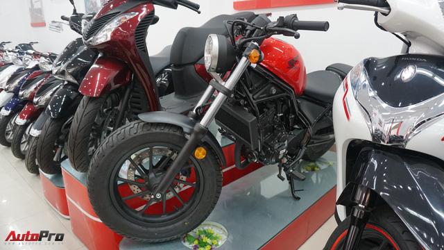 Honda rục rịch khai trương showroom mô tô phân khối lớn chính hãng đầu tiên tại Việt Nam - Ảnh 1.