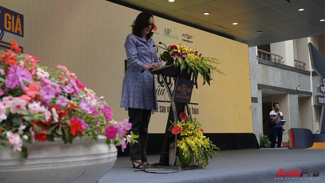 Phó Đại sứ Mỹ Caryn McClelland: Tôi có một cô con gái luôn muốn ngồi hàng ghế trước, nhưng tôi không thể cho phép việc đó xảy ra - Ảnh 5.