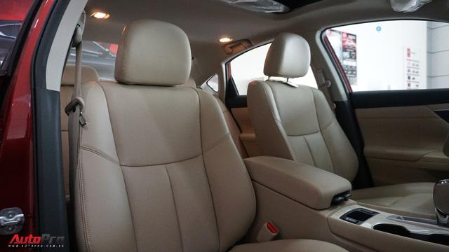 Cạnh tranh Toyota Camry, Nissan Teana nhập khẩu giảm giá gần 300 triệu đồng chỉ sau 3 tháng - Ảnh 14.