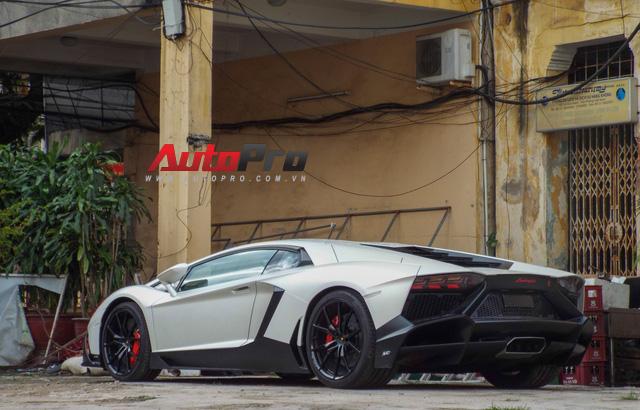 Bộ đôi Lamborghini Aventador độ khủng và Rolls-Royce Phantom chưa biển dạo chơi tại Hải Phòng - Ảnh 3.