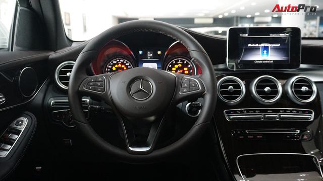 Trải nghiệm nhanh Mercedes-Benz GLC 200 - Sứ mệnh lấy khách phổ thông tại Việt Nam - Ảnh 11.