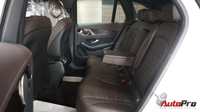Trải nghiệm nhanh Mercedes-Benz GLC 200 - Sứ mệnh lấy khách phổ thông tại Việt Nam - Ảnh 14.