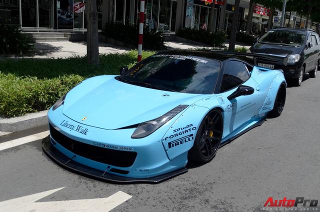 Cường Đô-la tiếp tục trổ tài drift Ferrari 458 độ Liberty Walk - Ảnh 2.
