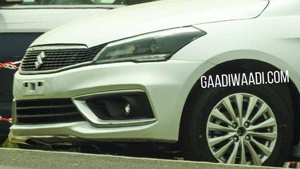 Suzuki Ciaz facelift 2018: Liệu có đủ sức cạnh tranh Toyota Vios, Honda City? - Ảnh 1.