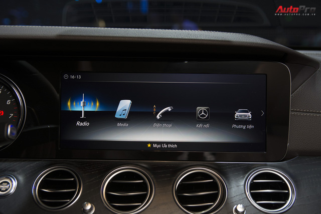 Mercedes-Benz E-Class nâng công nghệ, giữ giá bán - Thêm bất lợi cho BMW 5-Series và Audi A6 tại Việt Nam - Ảnh 2.